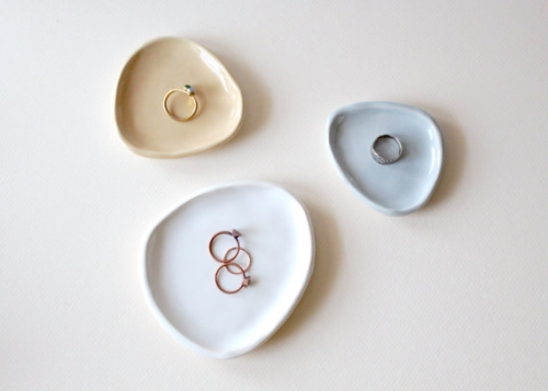 Ceramic jewelry display dishes