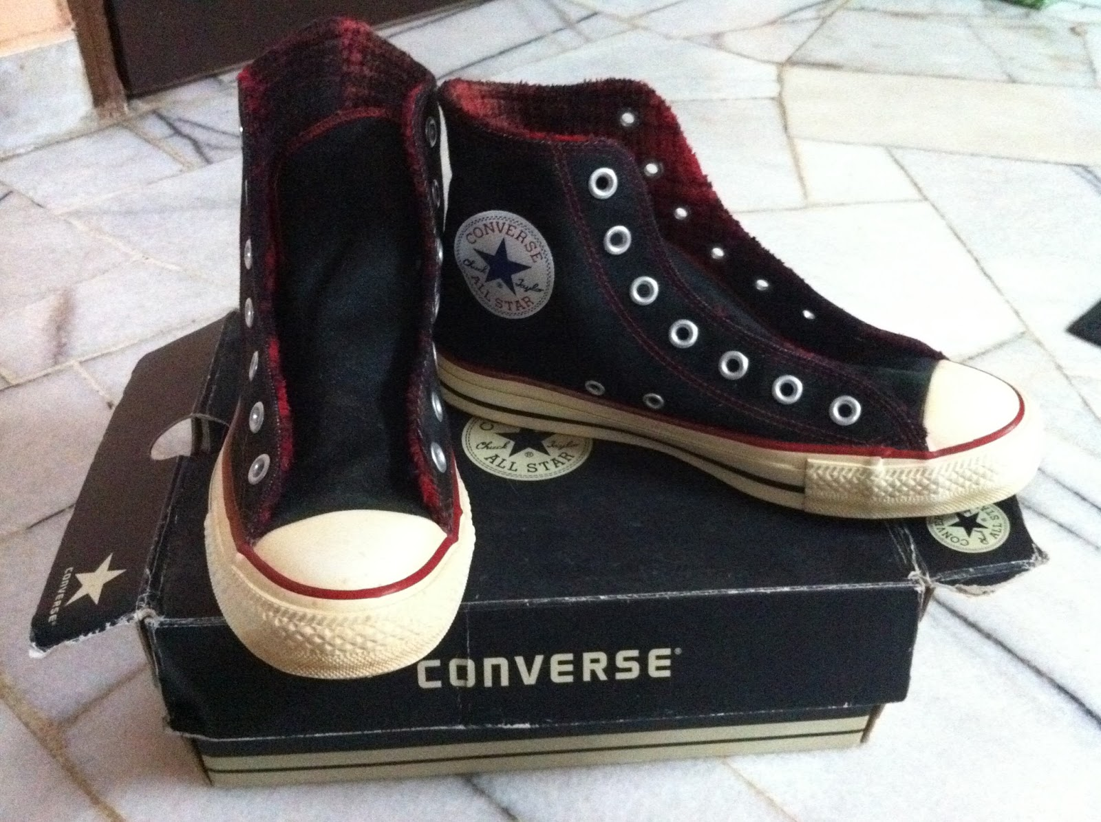 8d43b43c549f Converse All Star Chuck Taylor Hi Black Red Stitch Foldable Unisex Trainers  Shoes