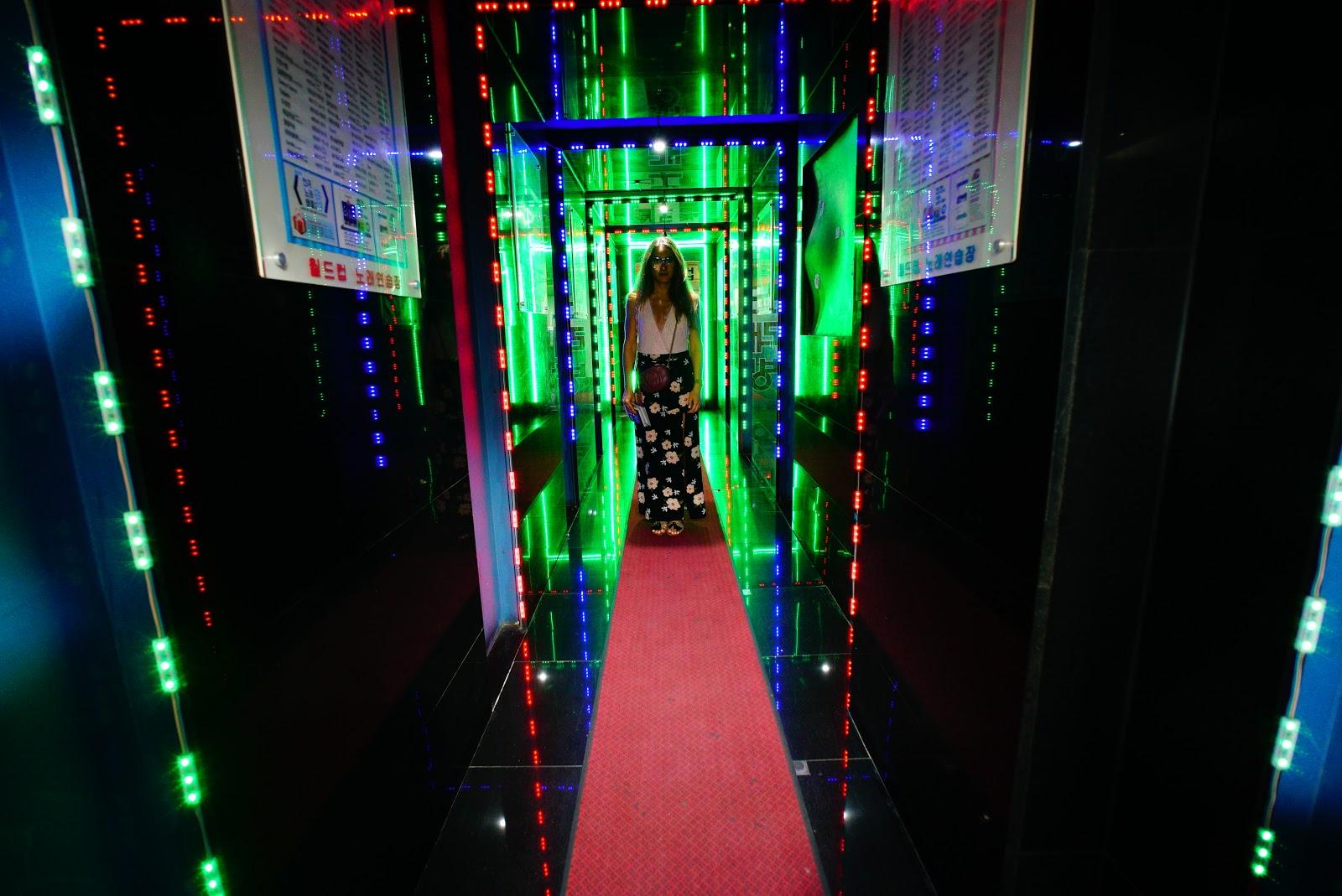 ikseon-dong neon lights