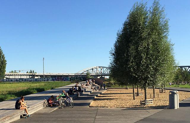 Diferenciais do parque Gleisdreieck em Berlim