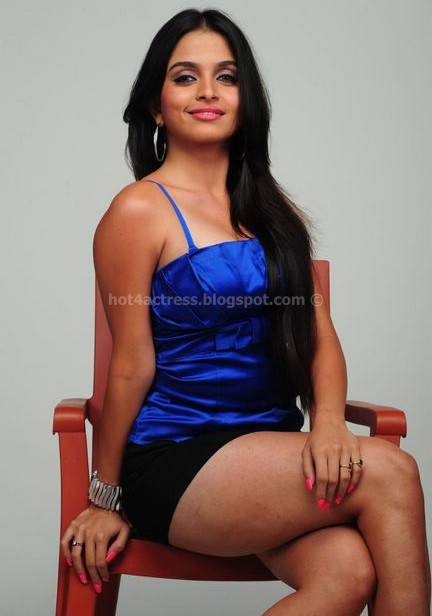 Sheena shahabadi photos