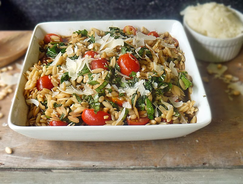 Orzo with Spinach and Tomatoes | by Life Tastes Good is a delicious pasta salad you can serve hot or cold. I love this dish because it tastes so good, but it's also very versatile! #PastaSalad #Italian