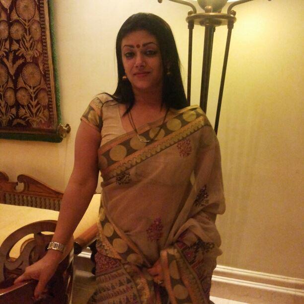 Hot Mallu Milf Jennifer Antony - Latest Cinema News -4569