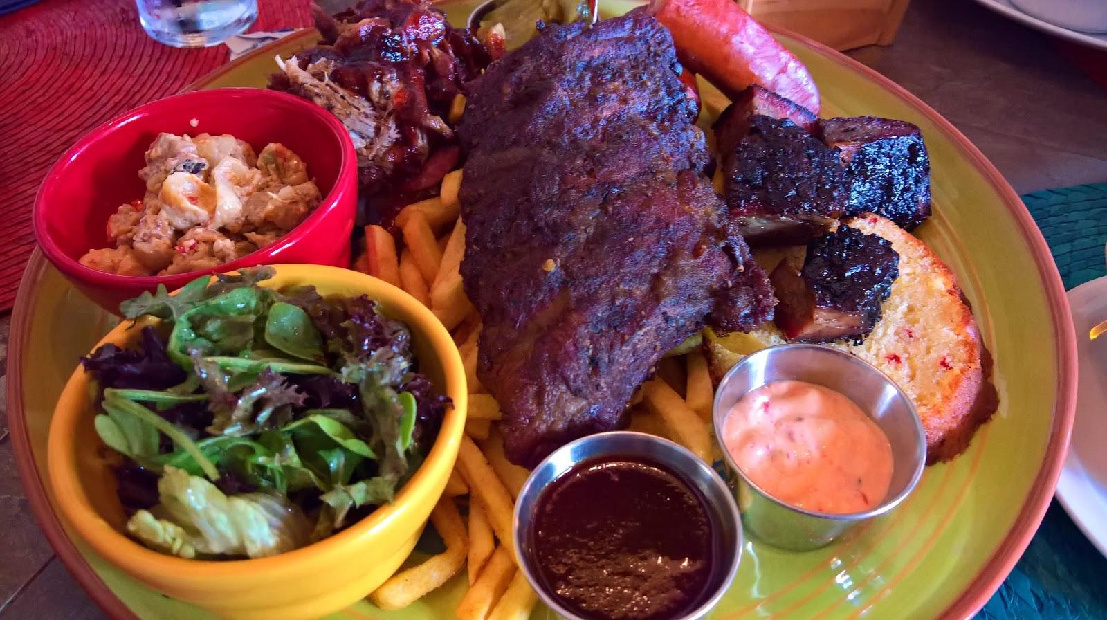 jäppilän kievari jäppilä ravintola kesäravintola jenkkiruoka bbq platter amerikkalainen ruoka mallaspulla