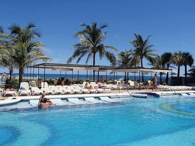 RIU Palace pool