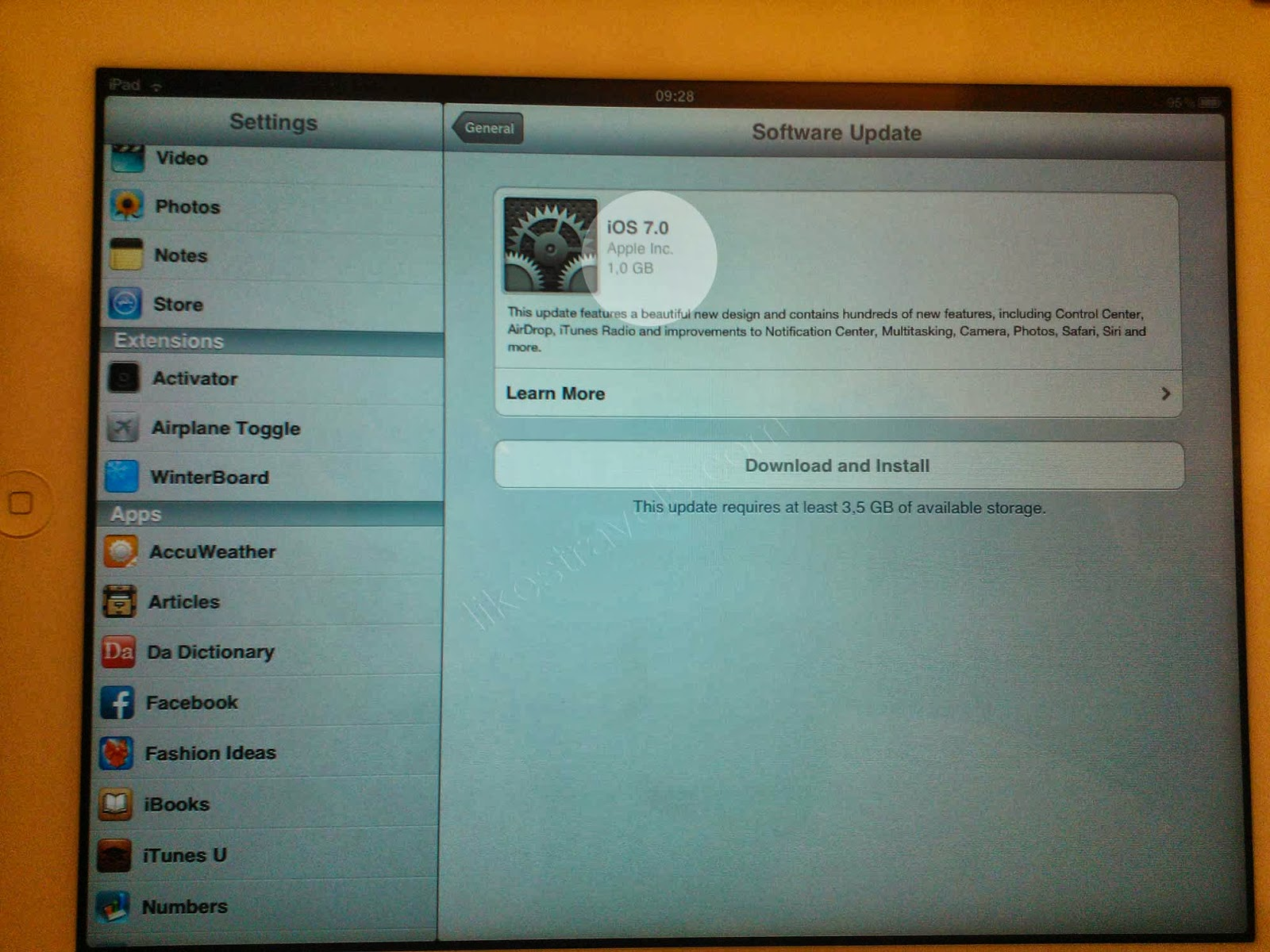 what is the latest ipad 2 software version