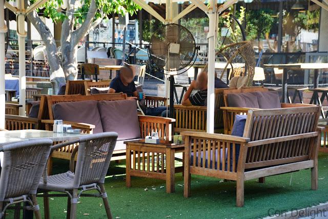 מרפסת חיצונית outdoor sitting area