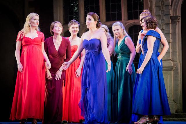 SWAP'ra gala at Opera Holland Park - Donizetti: L'elisir d'amore - Anna Patalong & chorus - (Photo Robert Workman)