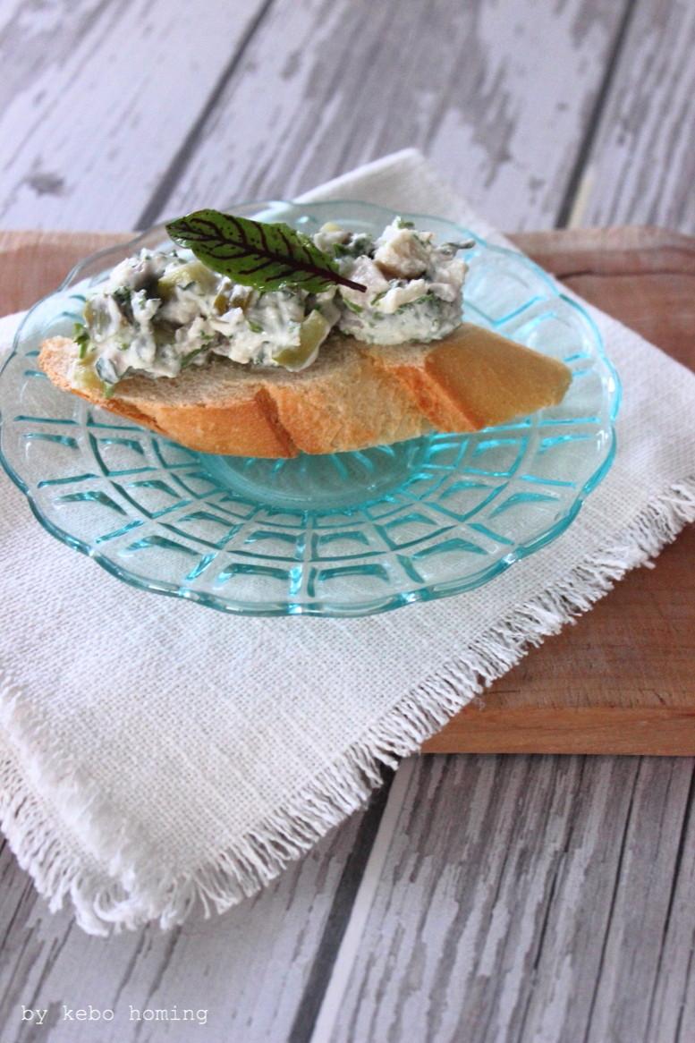 Matjes selbst marinieren und eine feinen Matjessalat daraus zubereiten, Rezept auf dem Südtiroler Food- und Lifestyleblog kebo homing, foodstyling & photography