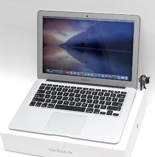 MacBook Air Core i5 ( 13-inchi Early 2017 ) Fullset