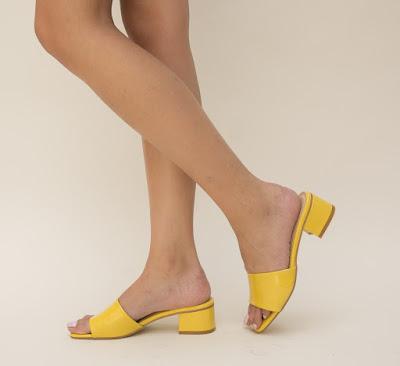 sandale galbene din piel eco lacuita cu toc mic