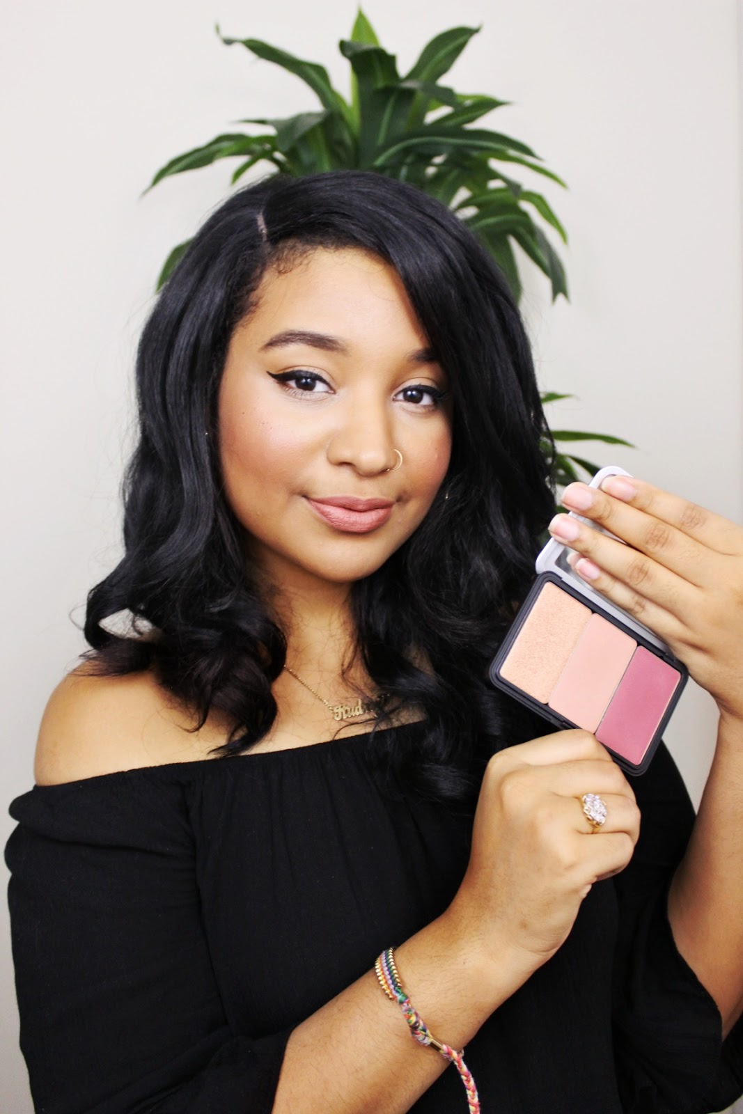 How to highlight with Make Up For Ever Face Artist palette