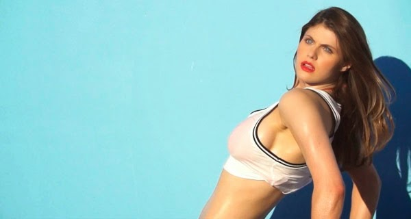 Sexy fotografía Alexandra Daddario 2014