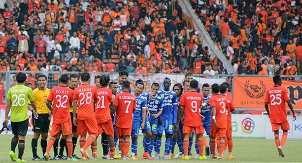 Persija Dilarang Jamu Persib di Stadion Patriot Bekasi