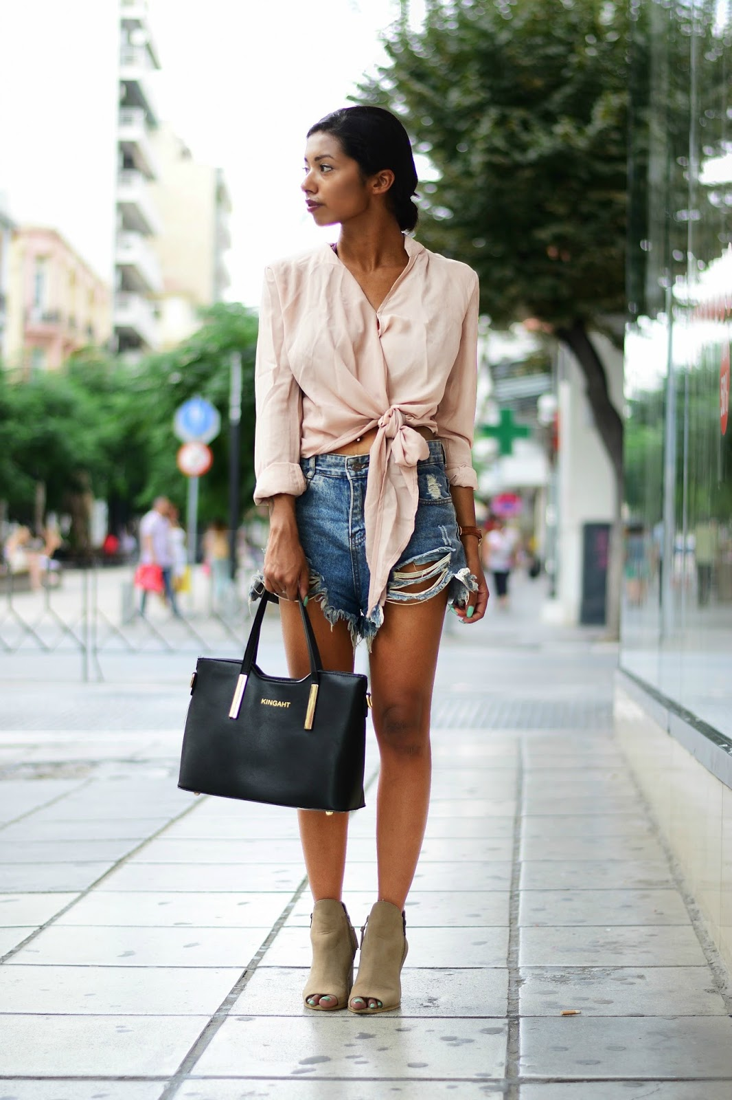 outfit ideas for casual summer looks with denim shorts