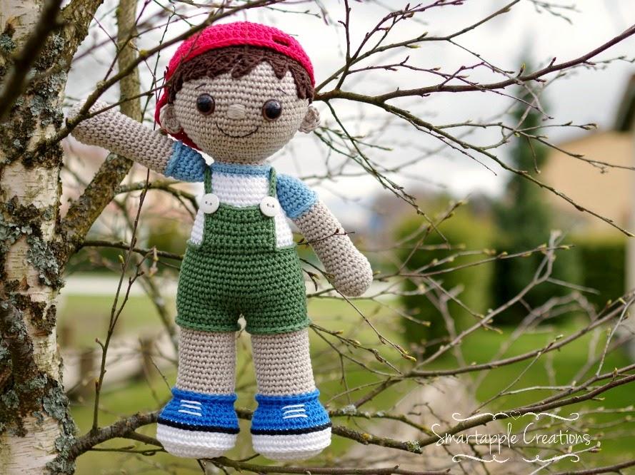My Little Crochet Doll 1 Starting the Head - YouTube | 666x889
