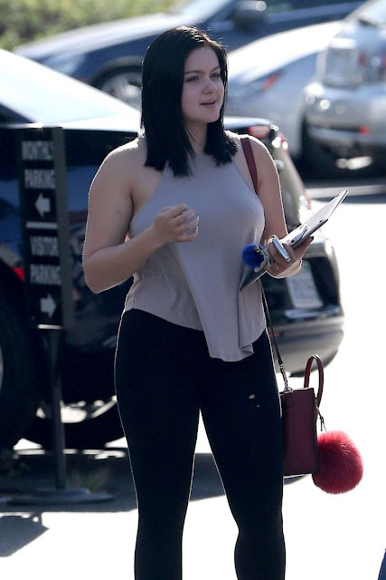 Ariel Winter – Visits Her School For College Classes in Los Angeles