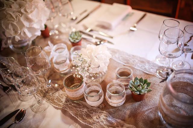 mariage bohème, mariage champêtre, fleurs blanches, fleuriste mariage Lyon, fleuriste mariage Rhône