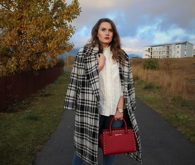 sister_jane_white_shirt_zara_checked_coat_michael_kors_Selma_bag