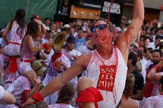Thousands of Spaniards turn out to run with the bulls