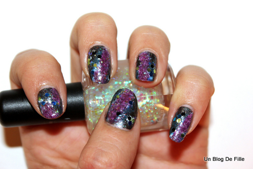 http://unblogdefille.blogspot.fr/2013/01/snb-galaxy-nails.html