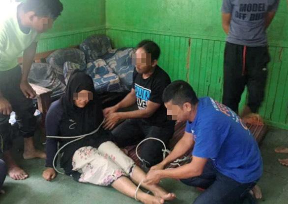 Gadis Trauma Hampir Dirogol Orang Minyak Dalam Rumah Sendiri