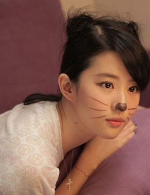 Liu Yifei - A cat's beauty!!!