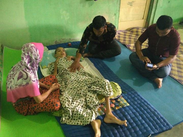 LPD Kunjungi dan Santuni Khairil, Anak Yatim sudah terbaring selama 3 Tahun