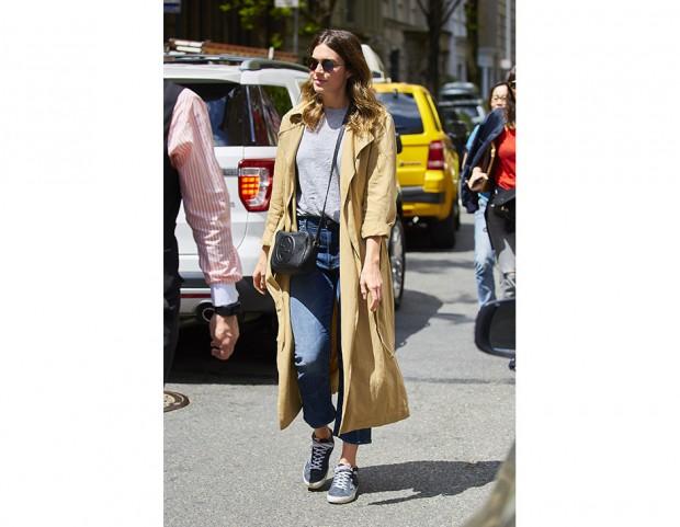 mandy moore trench outfit outfit primaverili mandy moore copy her look mandy moore fashion blog italiani fashion blogger italiane come indossare il trench come abbinare il trench jeans a vita alta