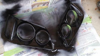 both inner surrounds black glossed