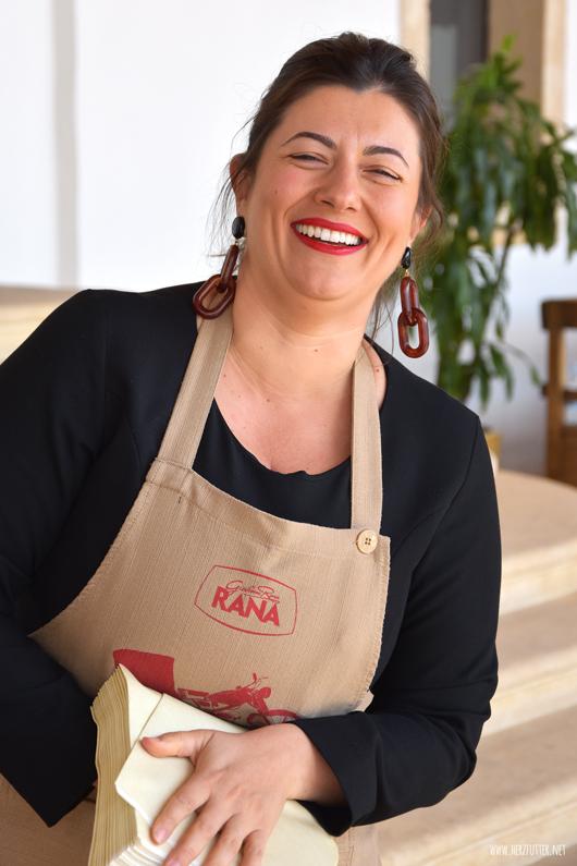Antonella Rana begrüßte uns bei Giovanni Rana in Verona