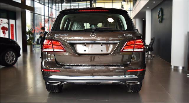 Đuôi xe Mercedes GLE 400 4MATIC 2019 thiết kế chiều sâu và cuốn hút