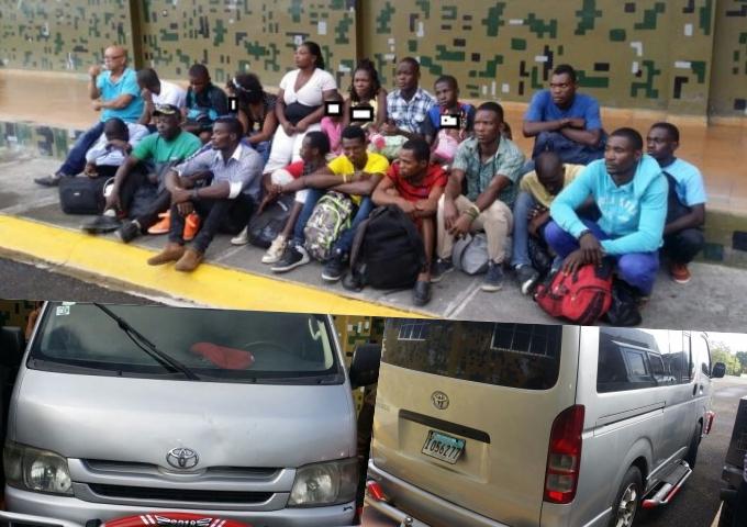 Agarran guagua timbí de haitianos en Santiago