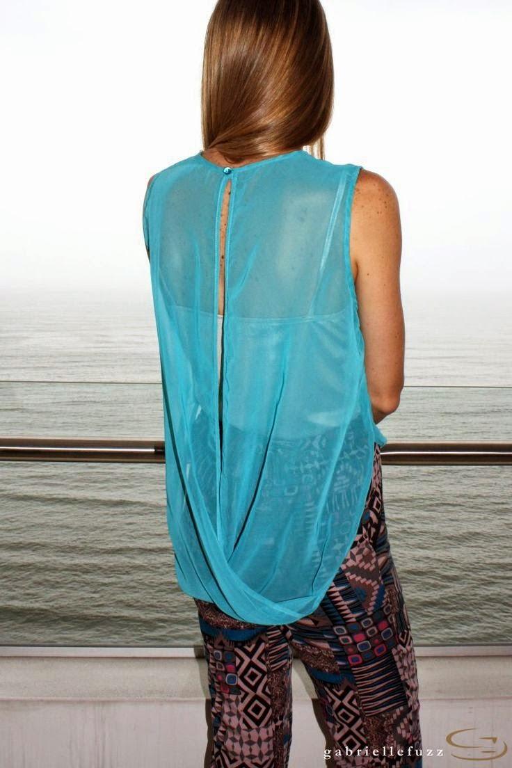 blusa cruzada a la espalda