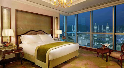 Ruangan hotel dengan view Ka'bah