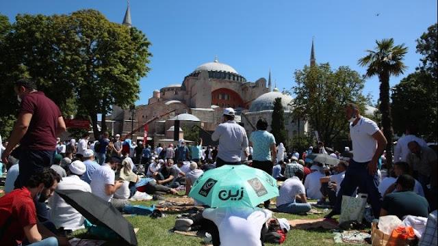 Η πρώτη μουσουλμανική προσευχή στη Αγία Σοφία (βίντεο)