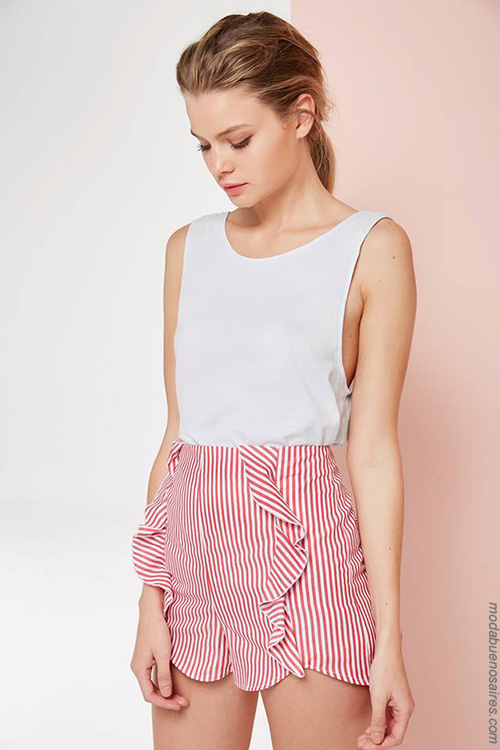 Moda tops, blusas y shorts primavera verano 2018.
