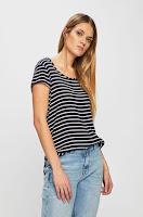 tricouri-si-topuri-pentru-femei-7