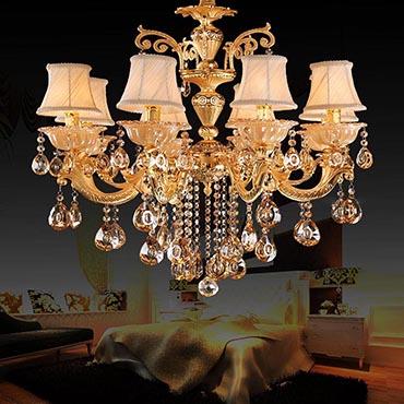 Có nên treo đèn chùm trong phòng ngủ không? Tại sao?