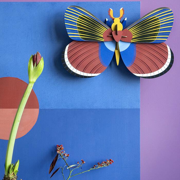 Farfalla di carta per decorare le pareti di casa