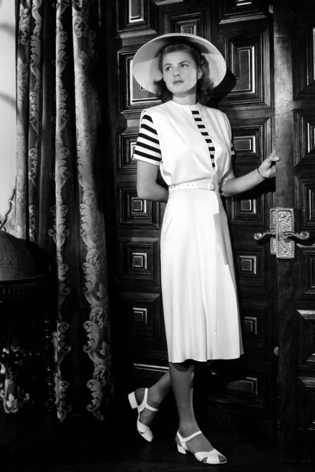 Fashion 1940s Two Female Models Flirty 40s Style Evening: 1940s Fashion And Style Trends In 40 Stunning Pictures