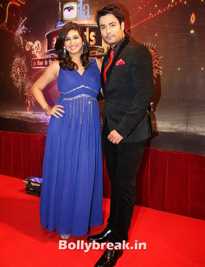 Vahbbiz Dorabjee and Vivian Dsena on Indian Tele Awards 2013 Red carpet, Indian Tele Awards 2013 red Carpet Pictures - ITA - Lauren Gottlieb, Mouni Roy, Ratan Rajput