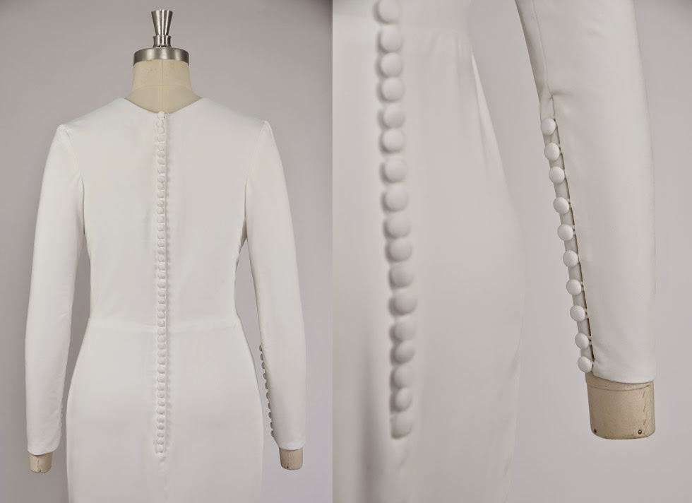 Robe de mariée minimaliste manche boutonnée