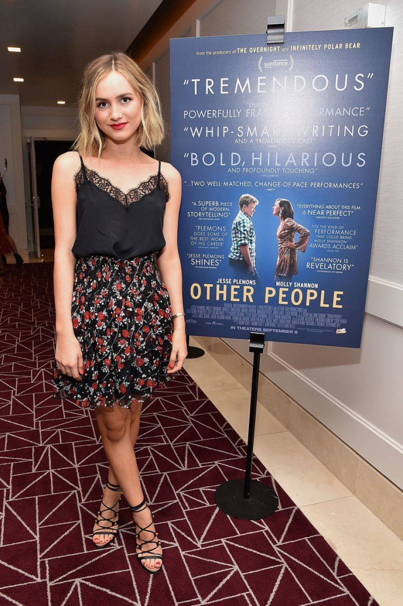 HD Photos of 'Other People' actress Maude Apatow at Other People Pemiere in West Hollywood