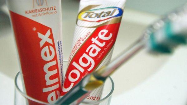 Un químico en la pasta dental Colgate causa cáncer