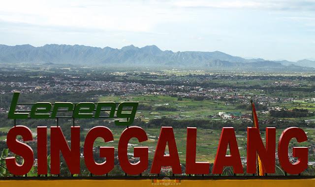 Keindahan Pesona Alam Lereng Gunung Singgalang