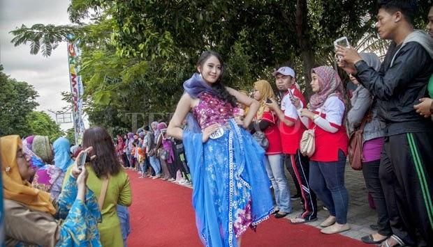 Festival Batik Banyuwangi, Fashion of the Pedestrian.