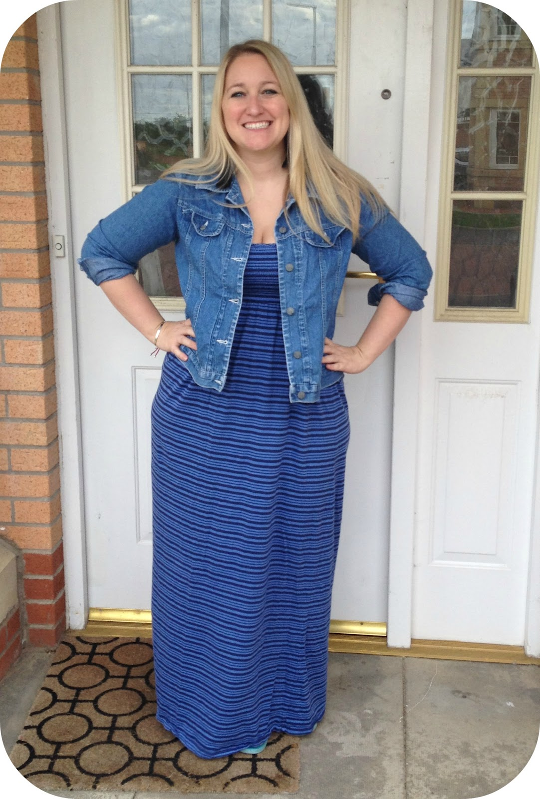 971cc901c2e Transatlantic Blonde  What I Wore Wednesday  Maxi Dress and Old Jean ...