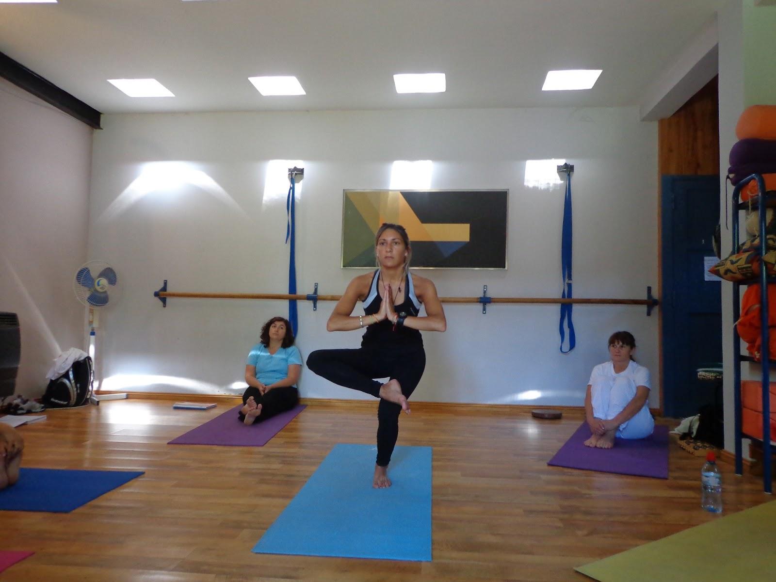 Comunicarse con nosotros por este medio o vía Facebook  (https   www.facebook.com silvana.esteves.yoga) 011d99b6a8e9