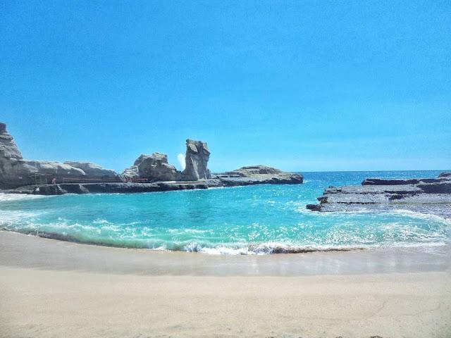 foto keindahan pantai klayar